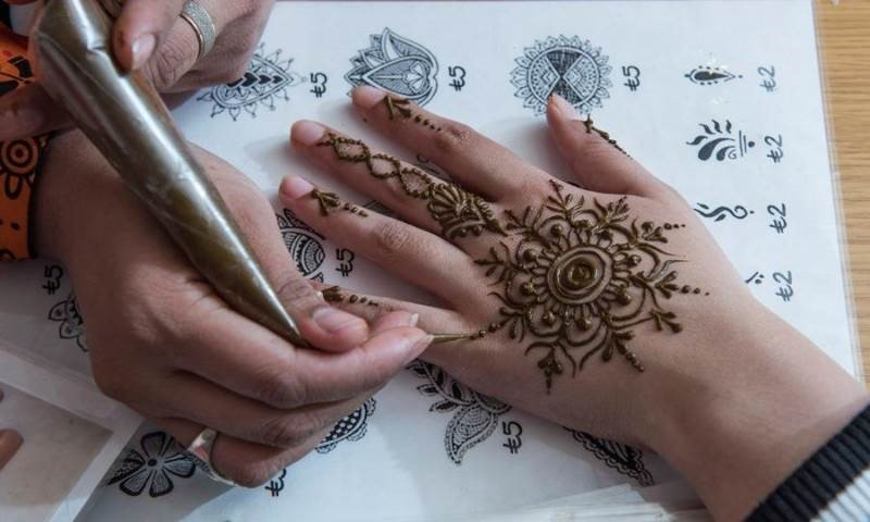 Henna Party London : Henna party fantastic for families